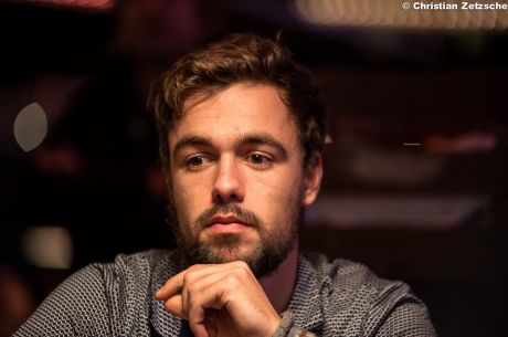 2014 Master Classics of Poker Main Event Day 1: Schemion Tops as Play Moves …