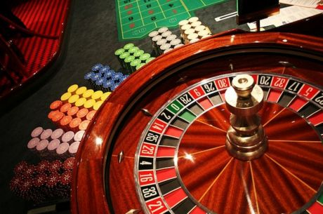 """What Is the """"Gambler's Fallacy"""" and How Does It Apply to Poker?"""