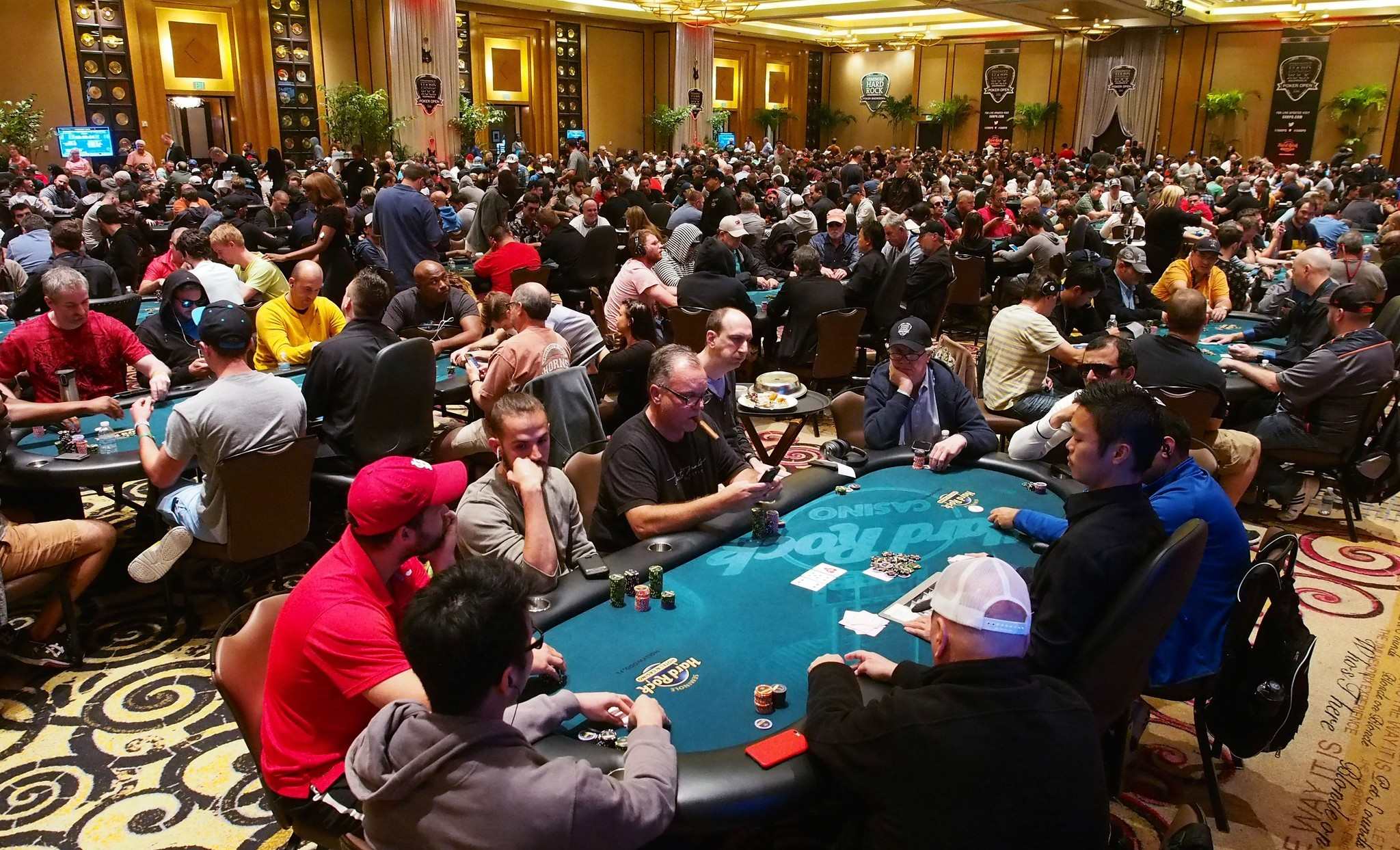 Seminole Hard Rock maps out poker through August